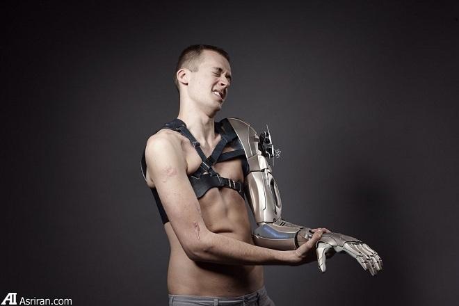 جذابترین دست مصنوعی جهان مجهز به پهپاد و چراغ قوه
