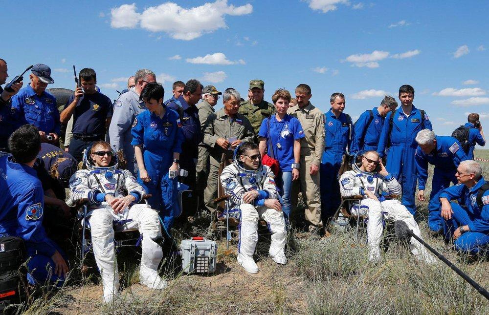 3 خدمه فضایی ناسا به سلامت به زمین بازگشتند