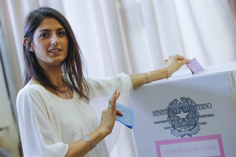 اولین شهردار زن رم (+عکس)
