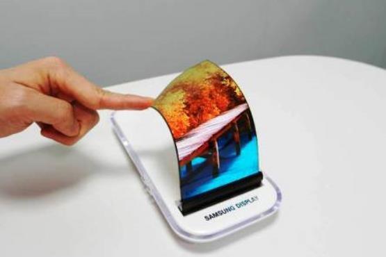رونمایی سامسونگ از صفحه نمایشهای انعطاف پذیر
