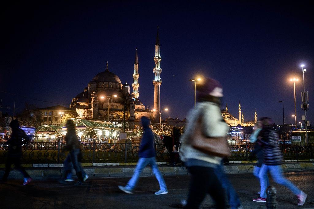 غربی ها و روس ها کمتر ، ایرانی ها و سعودی ها بیشتر به ترکیه می روند