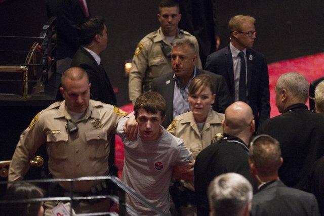 جوان 19 ساله ای که می خواست ترامپ را بکشد (+عکس)