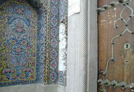 دستگیری سارق کاشیهای مسجد
