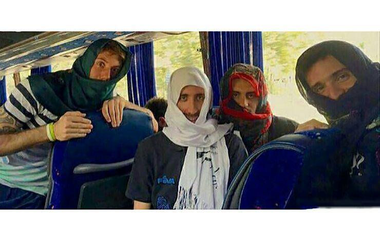 عذر خواهی بازیکنان تیم ملی والیبال آرژانتین بخاطر یک رفتار اشتباه در تهران (+عکس)