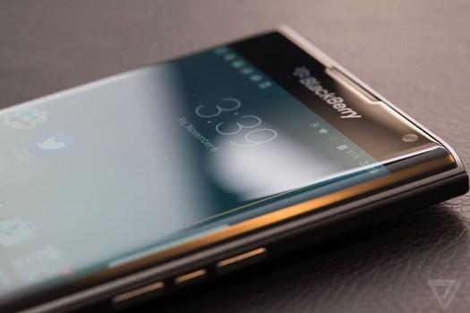 بلک بری سه گوشی اندرویدی جدید عرضه میکند