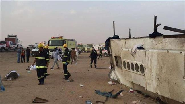 چند کشته و زخمی در تصادف اتوبوس در عربستان سعودی (+عکس)