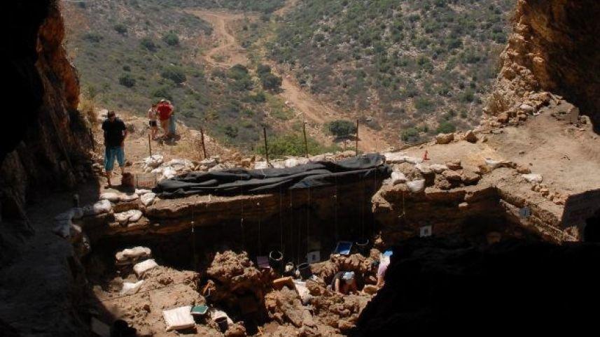 شگفتی باستان شناسان از کشف قبر ۱۲ هزار ساله جادوگر کوتوله