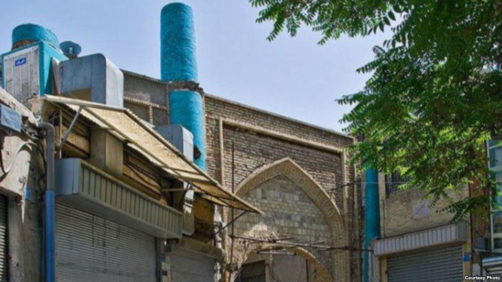اعتراض به فروش «خانه حاکم تهران» از سوی «ستاد فرمان امام»