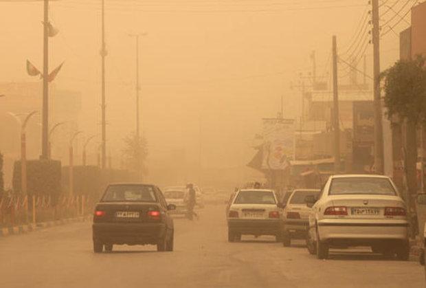 توفان شن در ریگان کرمان مردم را خانه نشین کرد