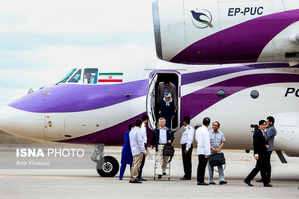 هواپیمایی با رنگ زیبا درمنطقه آزاد ماکو (+عکس)