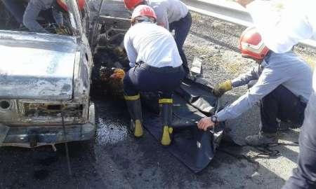 مرگ 4 نفر در تصادف و اتش گرفتن 2 خودرو در اراک
