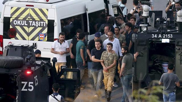 کودتای خونین ترکیه در آستانه شکست/ سخنرانی اردوغان در استانبول / 60 کشته در کودتا