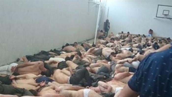 دستگیری اهانت آمیز سرهنگ ارتش ترکیه (+عکس)