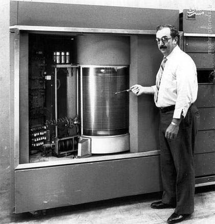 اولین هارد دیسک IBM (عکس)