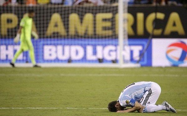 تماس رییسجمهور آرژانتین با مسی: مسی بمان