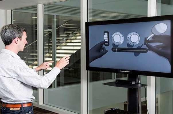 کنترل رایانه شخصی با حرکات دست