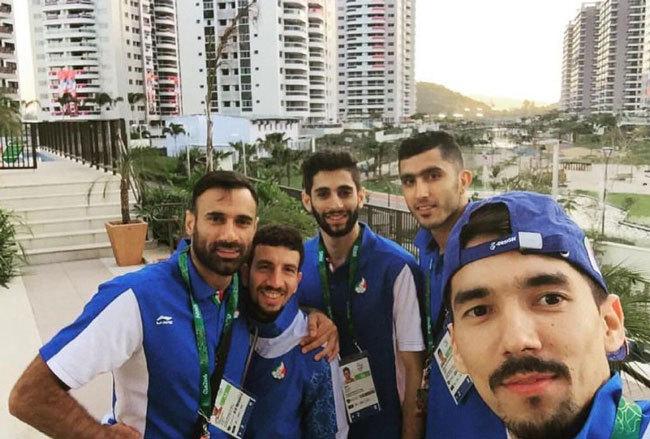 تیم ملی والیبال وارد دهکده المپیک شد (+عکس)