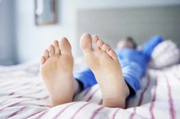 علت خشکی بدن بعد از خواب