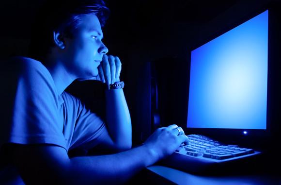 تاثیر نامطلوب نورهای آبی روی سوخت و ساز بدن انسان