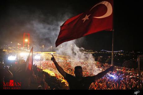 ترکیه نام پل بسفر را به احترام قربانیان کودتا تغییر داد