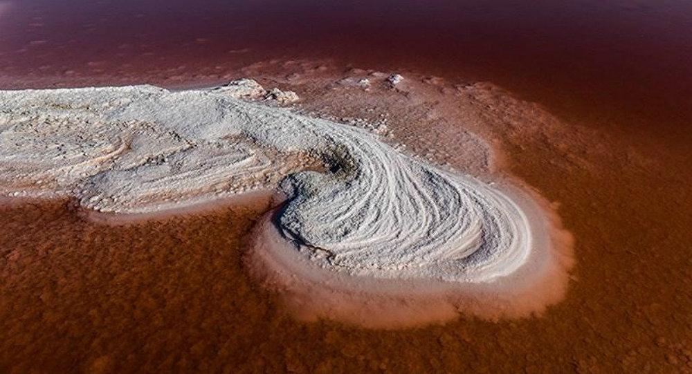 توضیح ناسا درباره تغییر رنگ دریاچه ارومیه (+عکس)