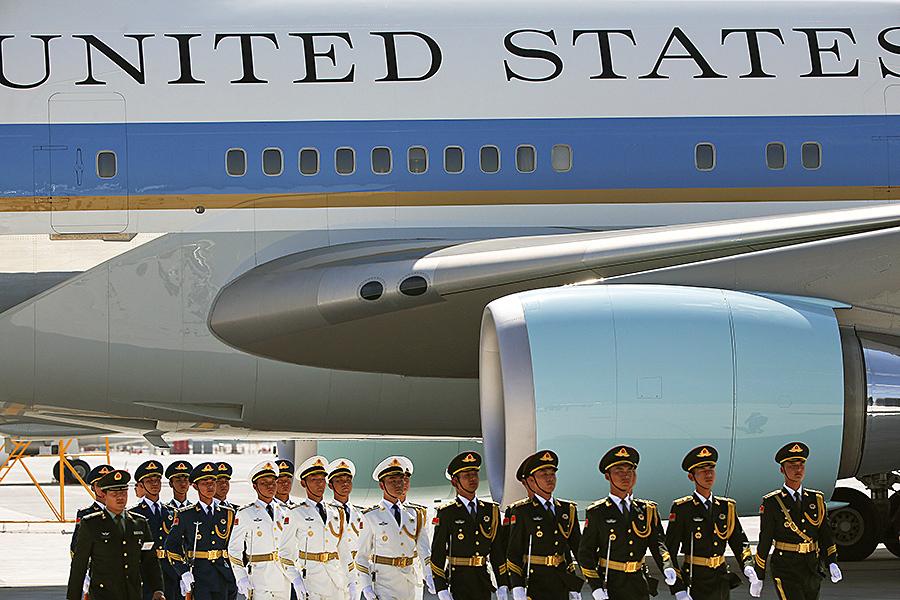 استقبال توهین آمیز از اوباما در چین (+عکس و فیلم)