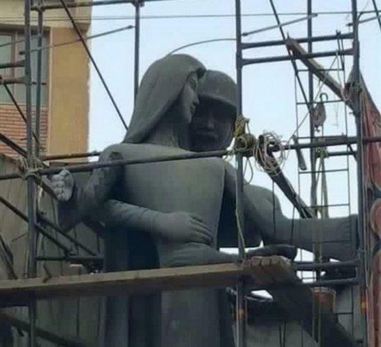 جنجال یک مجسمه