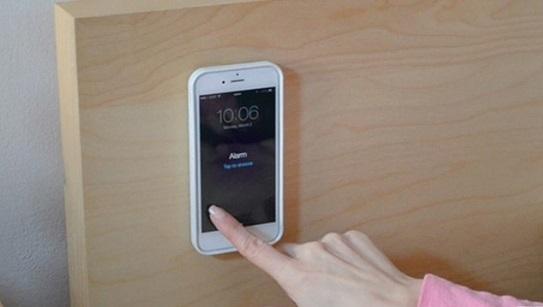 بدون استفاده از دستها با گوشی خود کار کنید (+عکس)