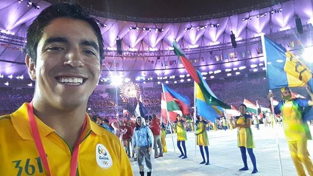 تجربه هیجان انگیز حمل پرچم ایران در اختتامیه المپیک از زبان جوان 22 ساله کانادایی(+عکس)
