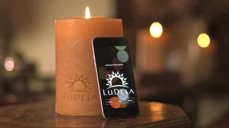 روشن کردن شمع با موبایل (+عکس)