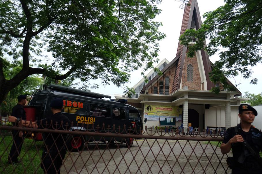 دستگیری تروریست انتحاری داعشی در کلیسایی در اندونزی