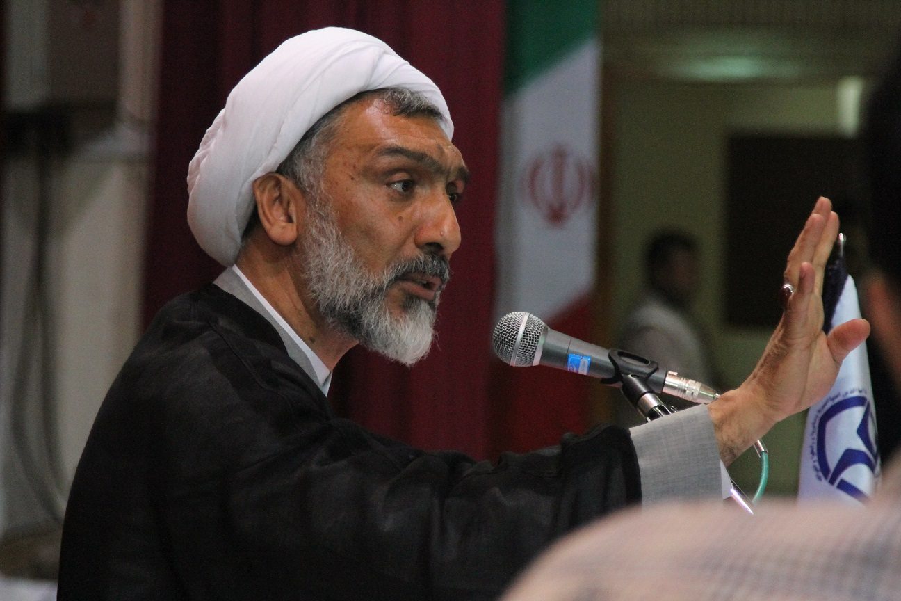 پورمحمدی: افتخار میکنیم دستور خدا را درباره منافقین اجرا کردیم/خداوند فرمود برکفار رحم نکنید چون آنها به شما رحم نمی کنند