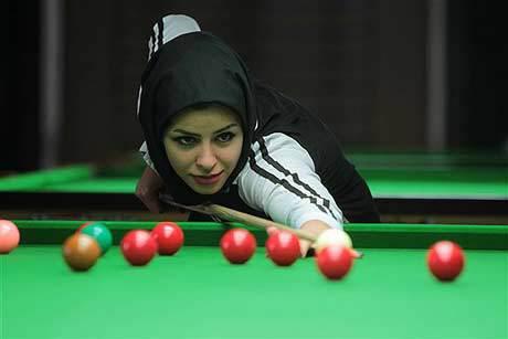 اکرم محمدی نخستین مدال تاریخ بیلیارد بانوان ایران را به دست آورد