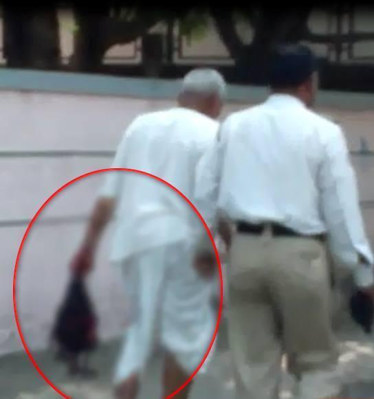 مردی که با سر بریده زنش در خیابان راه میرفت (+عکس)