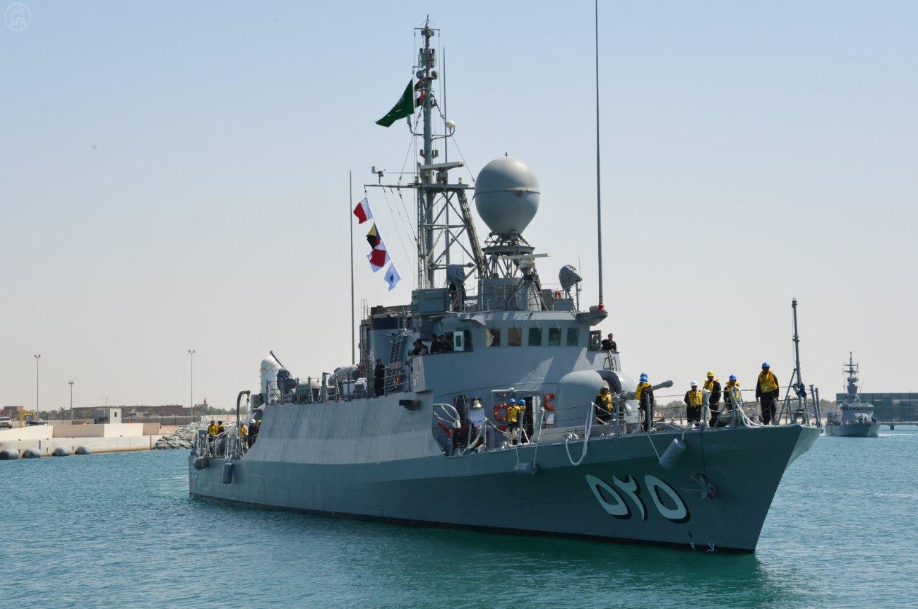 آغاز مانور نظامی ارتش عربستان سعودی در خلیج فارس / هشدار سپاه
