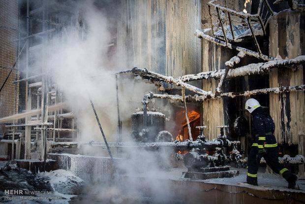 آتش سوزی در پالایشگاه شاهرود (+عکس)