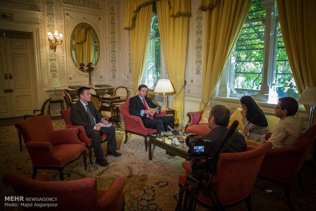 سفیر انگلستان: در مورد پیشینه رابطه با ایران ترجیح می دهم به گذشته فکر نکنم!