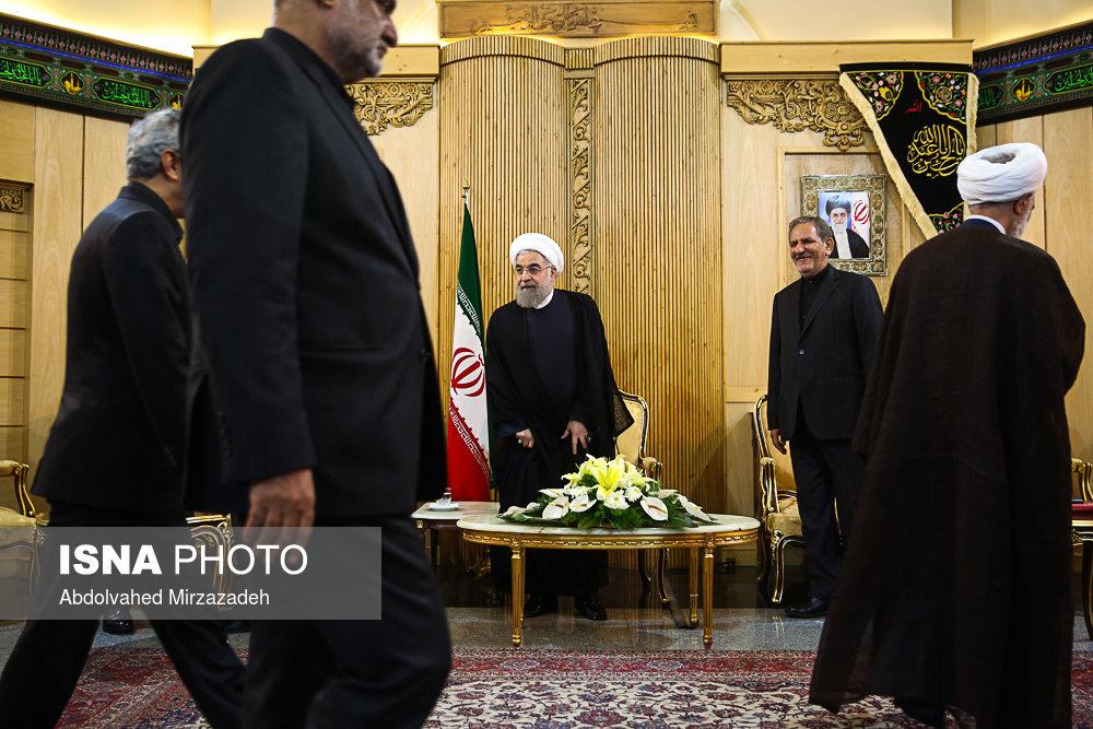 بازگشت روحانی از سفر به جنوب شرق آسیا (+عکس)