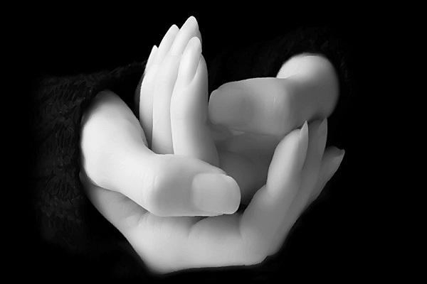 چگونه بخشهای تیره پوست دست و پای خود را روشن سازیم