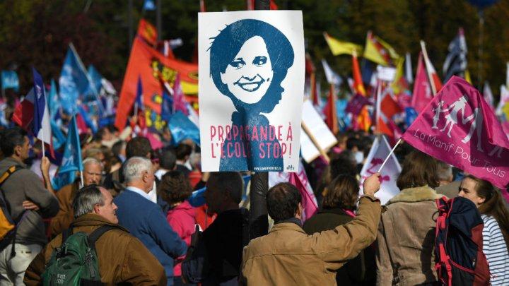 پاریس؛ تظاهرات علیه ازدواج همجنسگرایان (عکس)