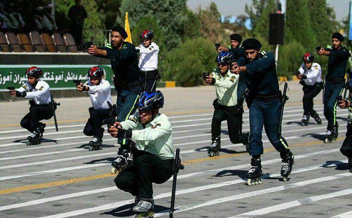 ماموران ناجا، آموزش اسکیت سواری می بینند (+عکس)