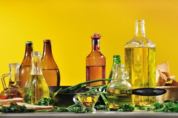 روغنهای گیاهی: انواع، فواید و ارزش غذایی