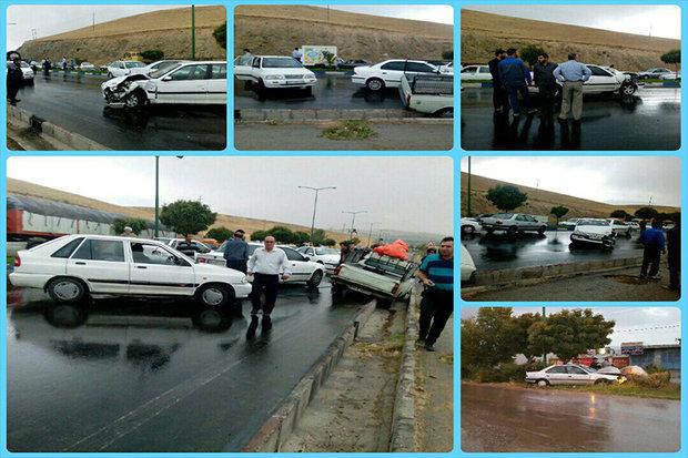 تصادف زنجیره ای 37 خودرو در محور گرمسار- تهران