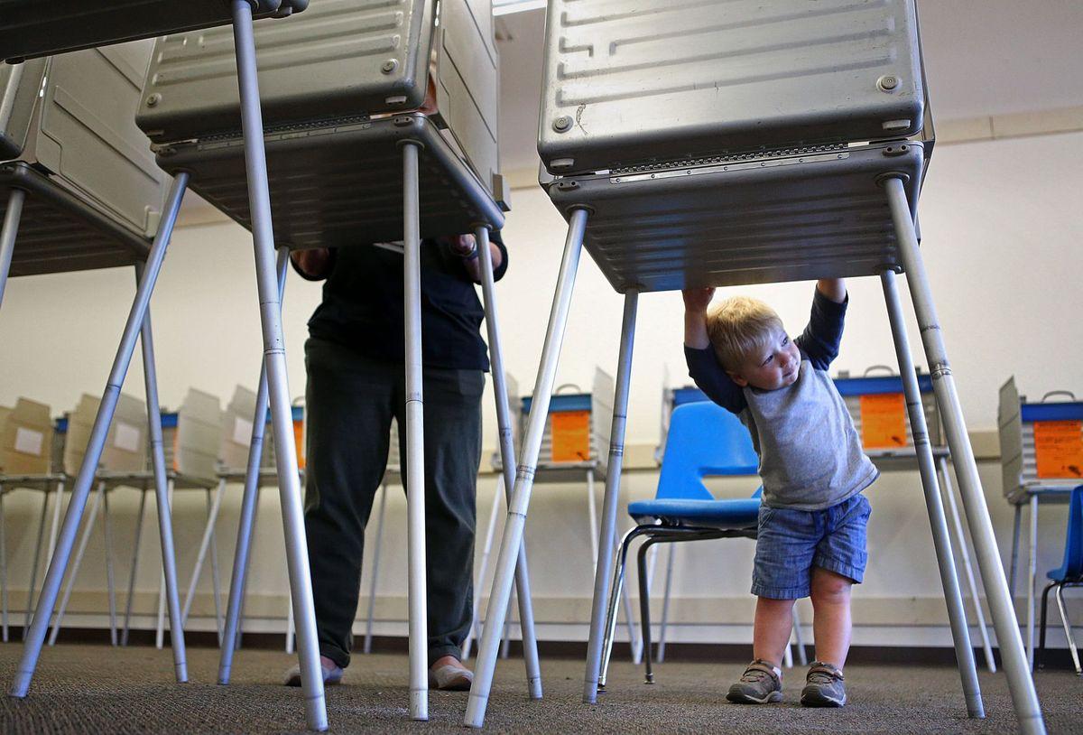آغاز انتخابات ریاست جمهوری آمریکا/ رقابت شدید کلینتون و ترامپ در ۱۰ ایالت تعیین کننده