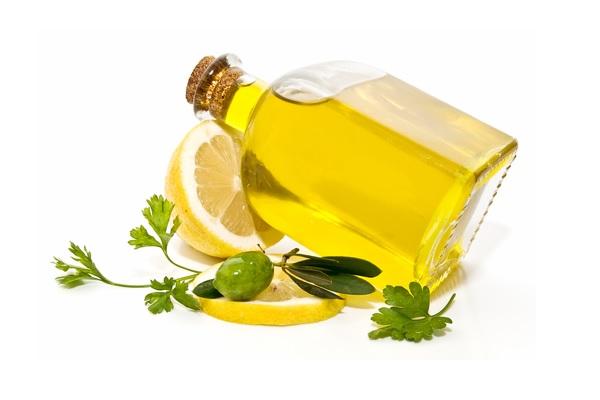 ترکیب انرژیزای آب لیموی تازه و روغن زیتون