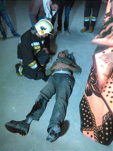 نجات معجزهآسای کارگر پس از سقوط ۸ طبقهای (+ عکس)