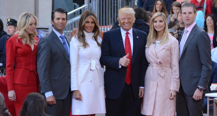 اعلام اعضای تیم ترامپ برای انتقال قدرت در کاخ سفید/ 4 هزار سمت خالی در انتظار ترامپ /3 دختر و پسر و یک داماد ترامپ در تیم انتقال قدرت