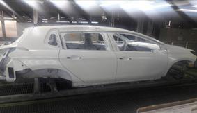 اولین بدنه پژو 2008 در ایران خودرو رنگ شد (+عکس)