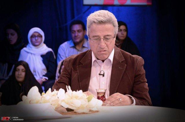علیرضا خمسه: در ایران به جای نان، قُرص به هم میدهیم