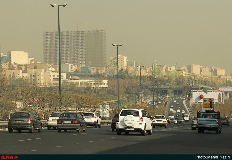 هوای پایتخت؛ ناسالم برای همه گروهها (+عکس)